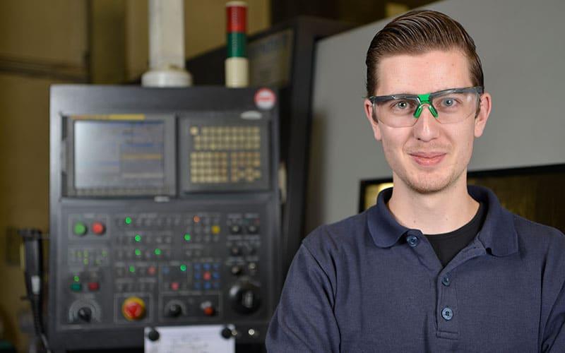 Pentair medewerker Coen Aalbers CNC-draaier